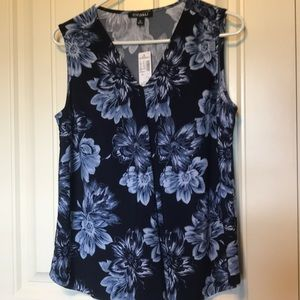 Sleeveless flower blouse